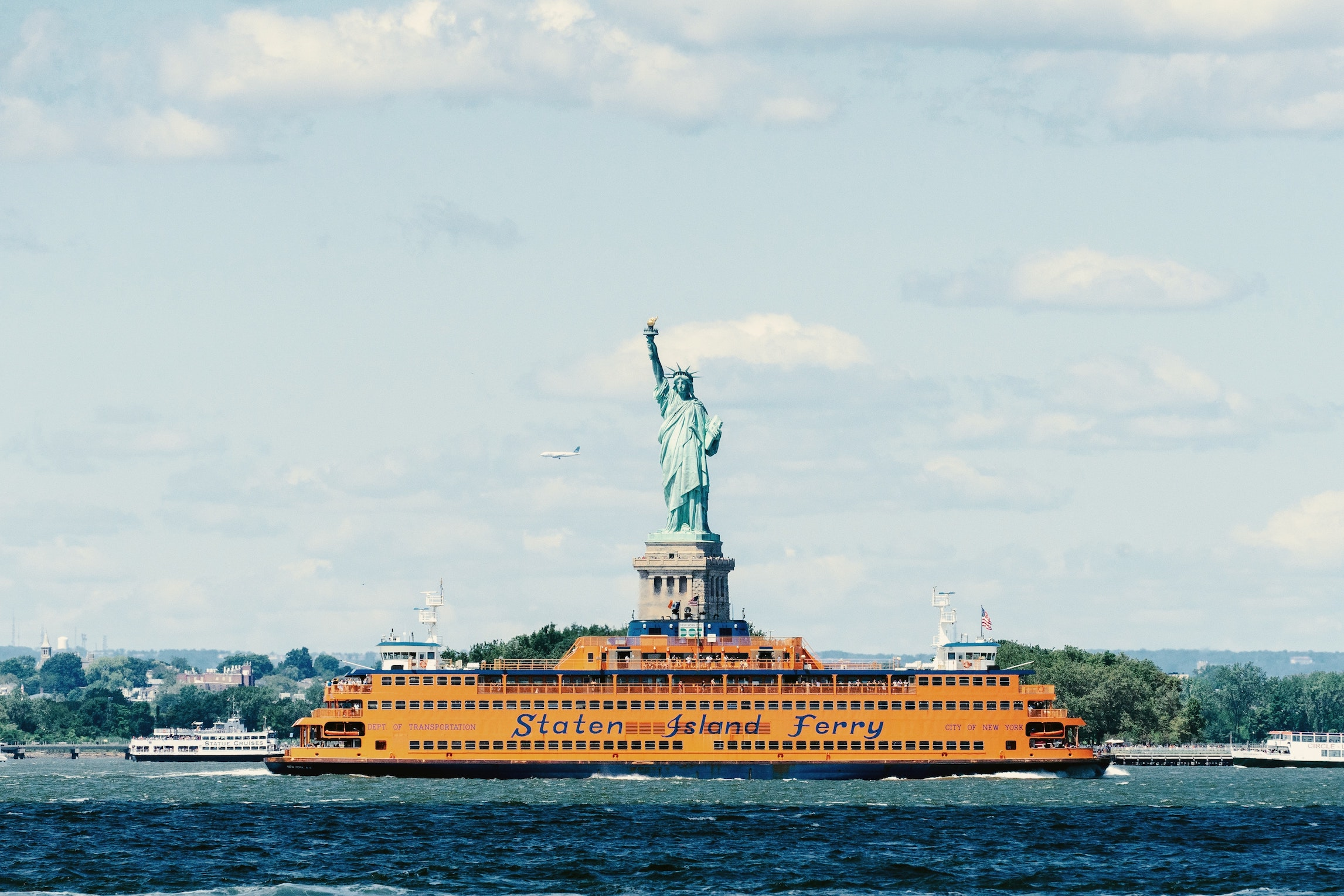 statue of liberty ferry and luggage storage