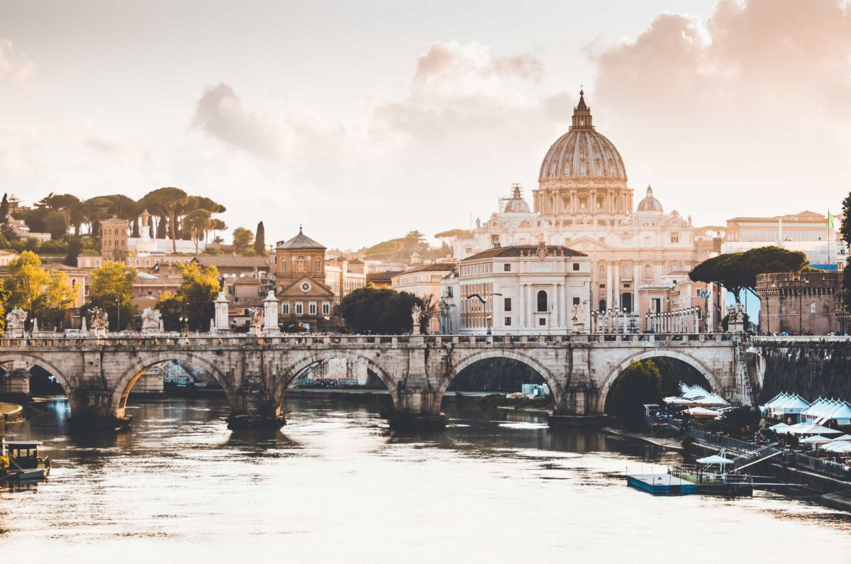 luggage storage vatican city rome